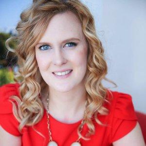 elizabeth-jones-stylist-speaker-claimthestage-podcast-speakersisterhood
