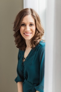 stephanie-feger-claimthestage-podcast-colortodaypretty-mindset-perspective-growth